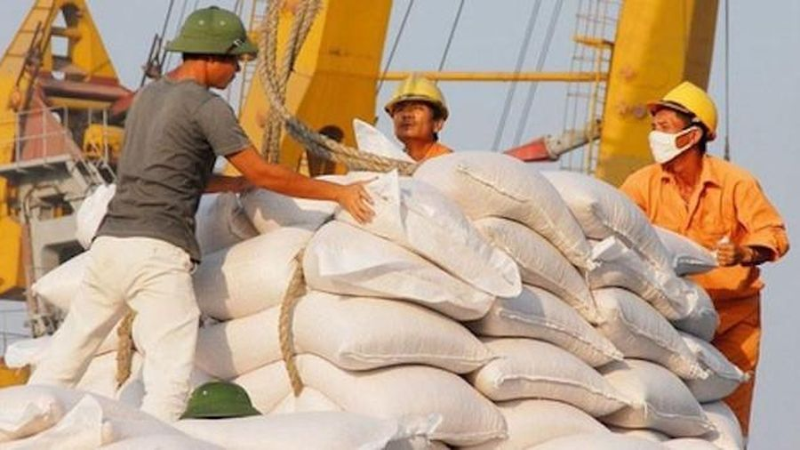 Xuất khẩu gạo giảm gần 10%