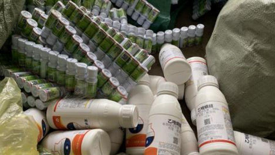 Nhập lậu hơn 3000 ống thuốc thúc chín hoa quả nhãn hiệu ETHREL