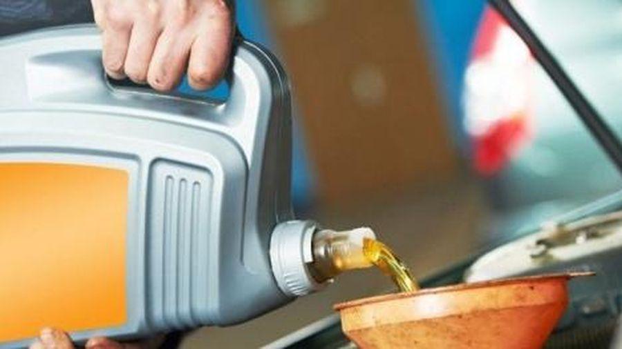 Sai lầm tai hại nếu dùng dầu nhớt ô tô dành cho xe máy