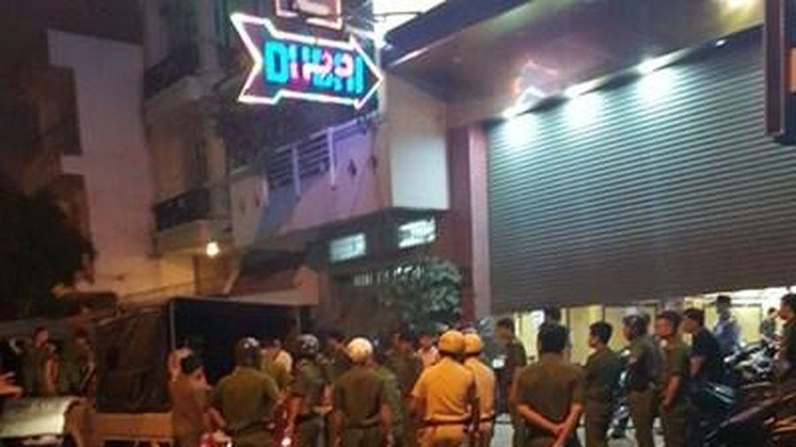 Phát hiện hơn 100 'dân chơi' phê ma túy trong quán karaoke Dubai