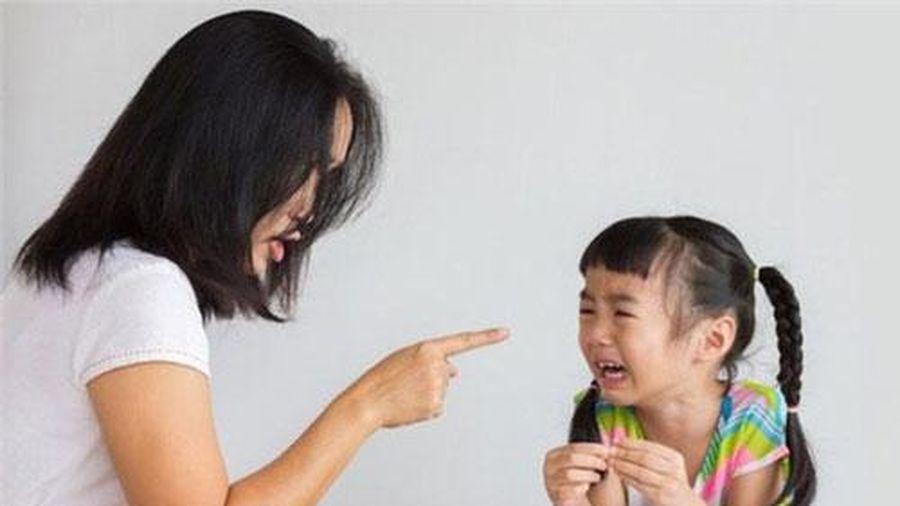 Những câu cha mẹ mắng con dễ gây ám ảnh cả đời với con trẻ