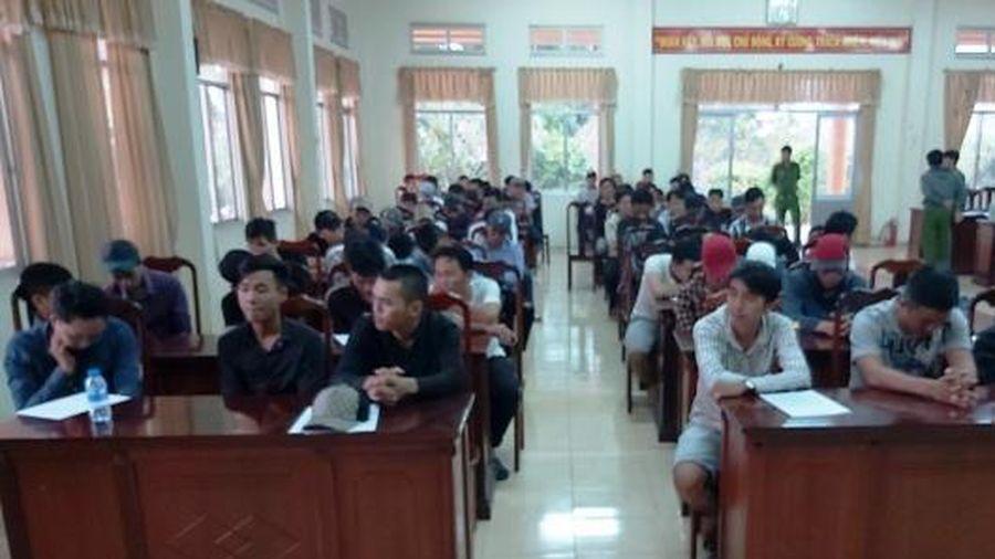 Băng nhóm giang hồ phê ma túy mang hung khí từ TP. Hồ Chí Minh về Bến Tre đòi nợ