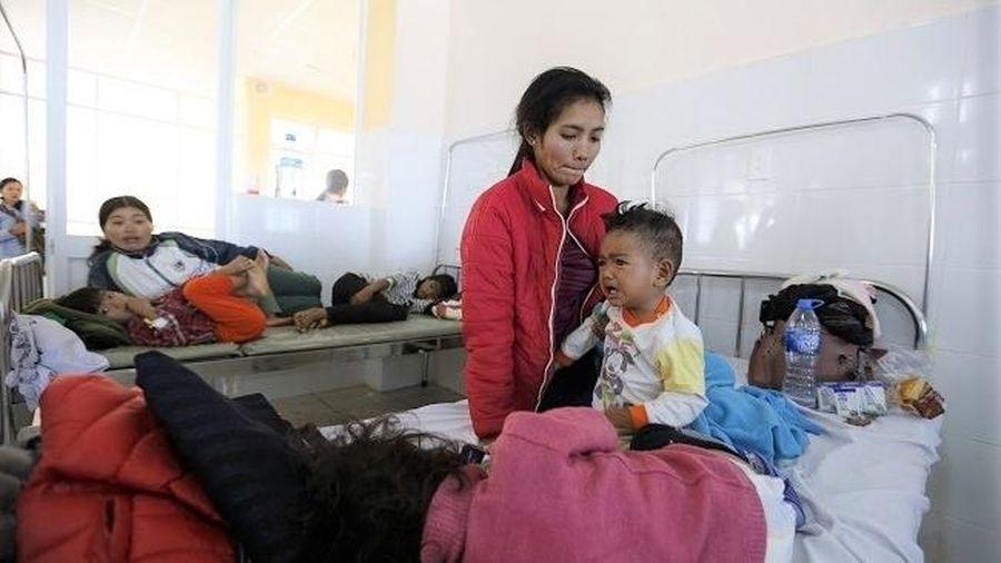 Lâm Đồng: Gần 100 trẻ nhập viện cấp cứu sau bữa ăn từ thiện