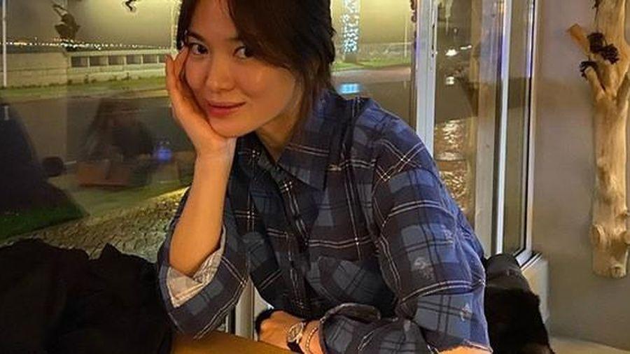 Chồng cũ vừa cho thấy cuộc sống thoải mái hậu ly hôn, Song Hye Kyo đã liền có động thái 'hồi đáp' này