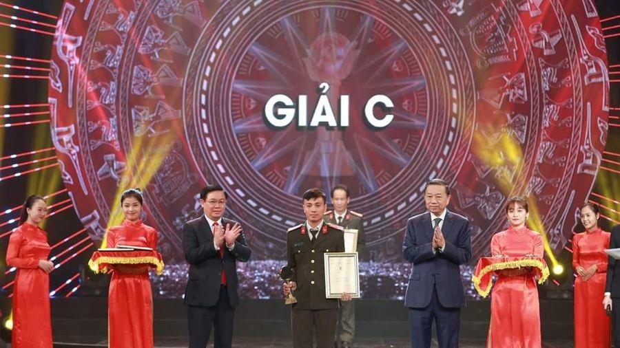 Trao giải Búa liềm vàng lần thứ IV- năm 2019: Nhóm tác giả Báo An ninh Thủ đô vinh dự đoạt giải C
