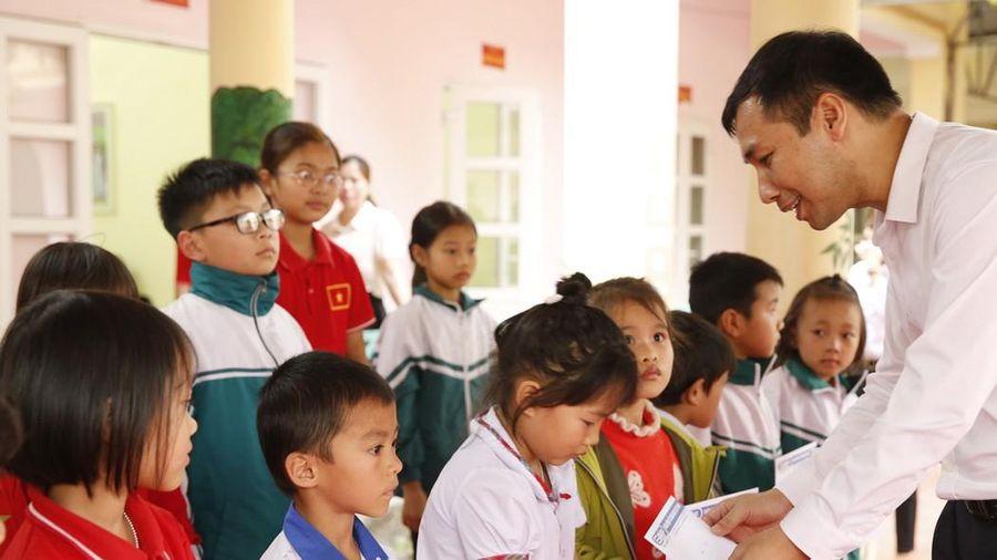 Phú Thọ: Vận động trên 4.000 suất quà Tết cho hộ nghèo