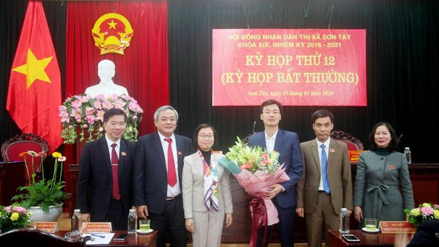 Sơn Tây có Phó Chủ tịch UBND thị xã mới