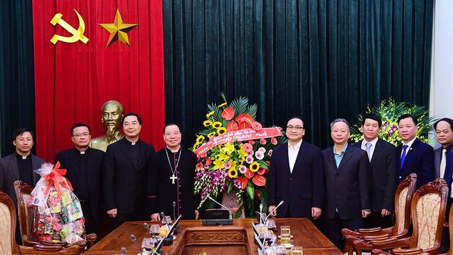 Tổng Giám mục Tổng Giáo phận Hà Nội chúc Tết Đảng bộ Thành phố
