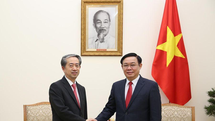 Phó Thủ tướng Vương Đình Huệ tiếp Đại sứ Trung Quốc