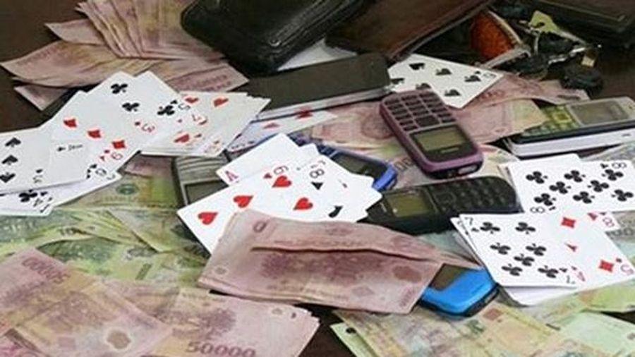 Phá vụ đánh bạc lớn, bắt giữ hơn 100 đối tượng