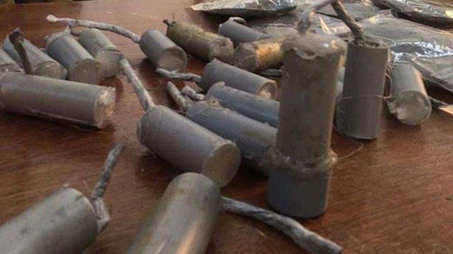 Tự chế tạo pháo nổ, nam sinh lớp 7 bị cháy xém mặt