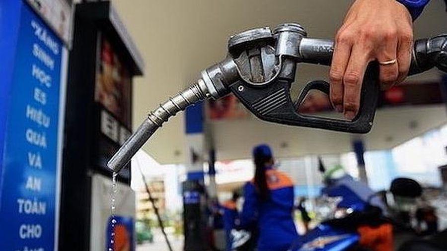 Giá xăng dầu giảm nhẹ trước dịp Tết Nguyên đán