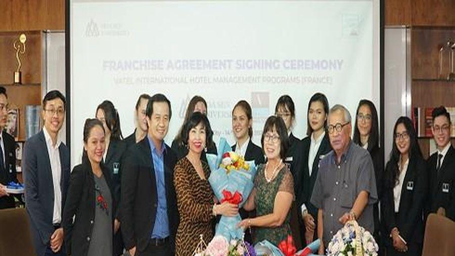 Trường Đại học Hoa Sen tiếp tục ký kết hợp tác nhượng quyền đào tạo Vatel