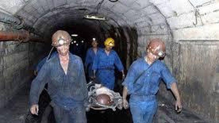 Tai nạn hầm mỏ, 1 người chết, 2 người bị thương nặng