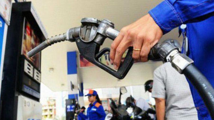 Giá xăng, dầu giảm không đáng kể trước Tết nguyên đán