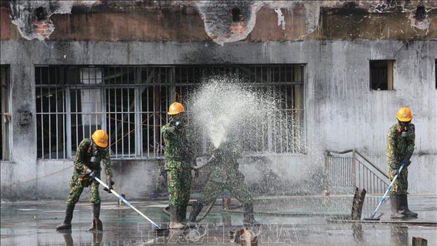 Phó Thủ tướng Trịnh Đình Dũng: Cần rút kinh nghiệm trong công tác xử lý sự cố hóa chất