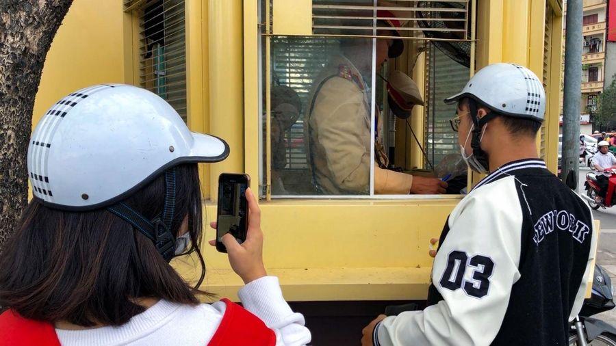 Ngày đầu thực hiện Thông tư 67 về việc công dân ghi âm, ghi hình giám sát cảnh sát giao thông