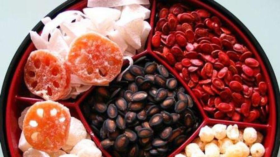 Cách lựa chọn mứt, hạt dưa và bánh kẹo an toàn ngày Tết