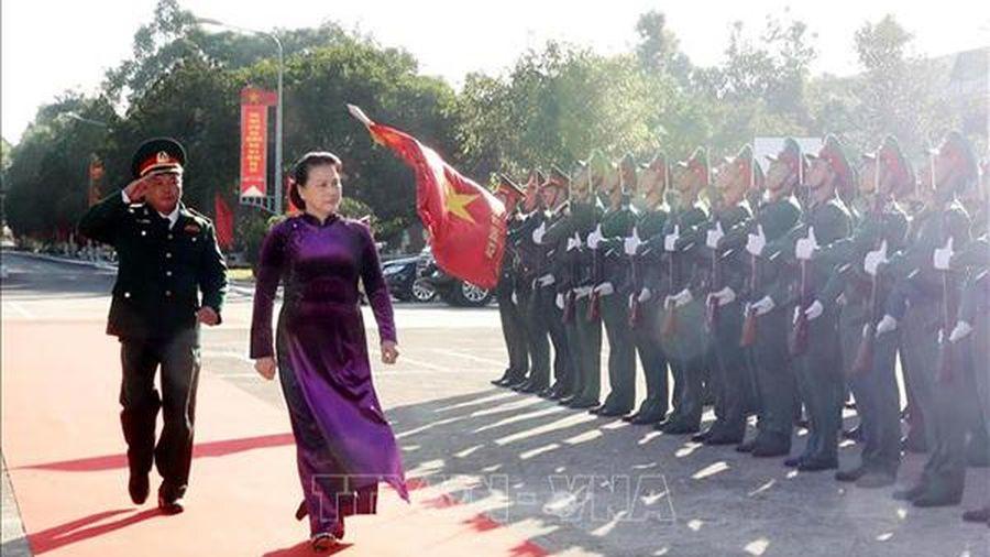 Chủ tịch Quốc hội Nguyễn Thị Kim Ngân thăm, chúc tết tại Bộ Chỉ huy quân sự tỉnh Đắk Lắk