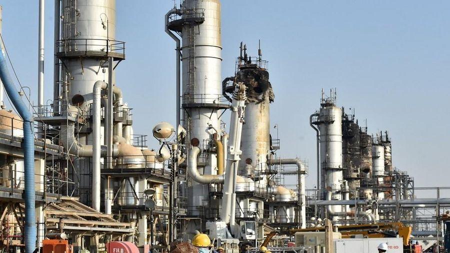 Thị trường dầu mỏ thế giới năm 2020 gánh chịu những biến động lớn