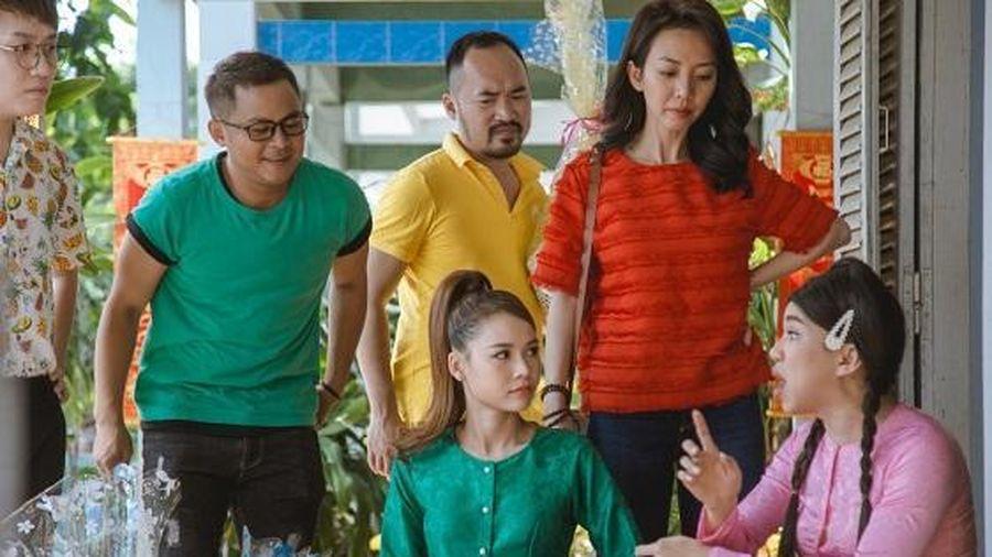Sam làm thầy bói gây hoang mang cho vợ chồng Thu Trang – Tiến Luật
