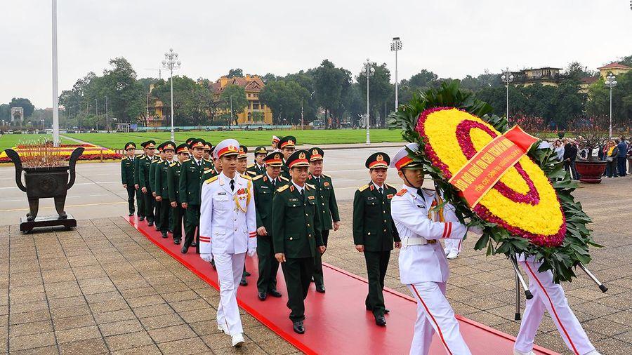 Lãnh đạo Tổng cục Chính trị chúc Tết một số đơn vị