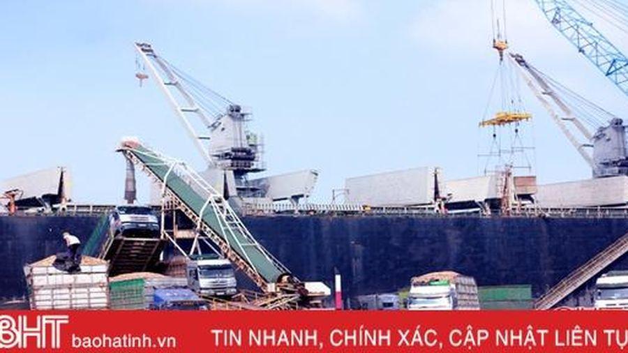 Hàng ngàn công nhân 'quên tết' bám công trường KKT Vũng Áng Hà Tĩnh