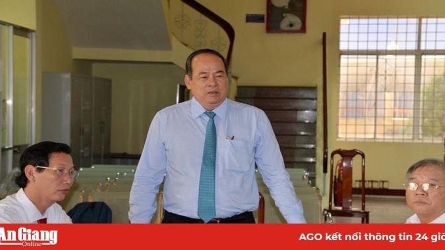 Chủ tịch UBND tỉnh Nguyễn Thanh Bình chúc Tết Công ty TNHH MTV XSKT An Giang và ngành Tài chính tỉnh