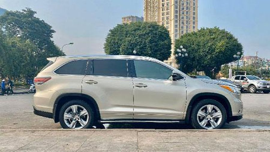 Toyota Highlander có ghế thương gia, giá hơn 2,4 tỷ tại Việt Nam