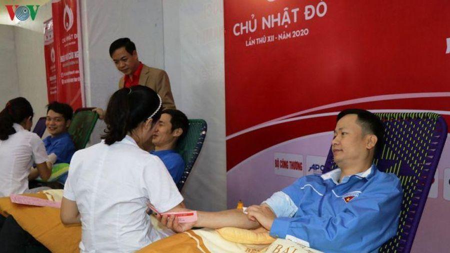 Nhiều người đi hiến máu trong dịp nghỉ Tết nguyên đán