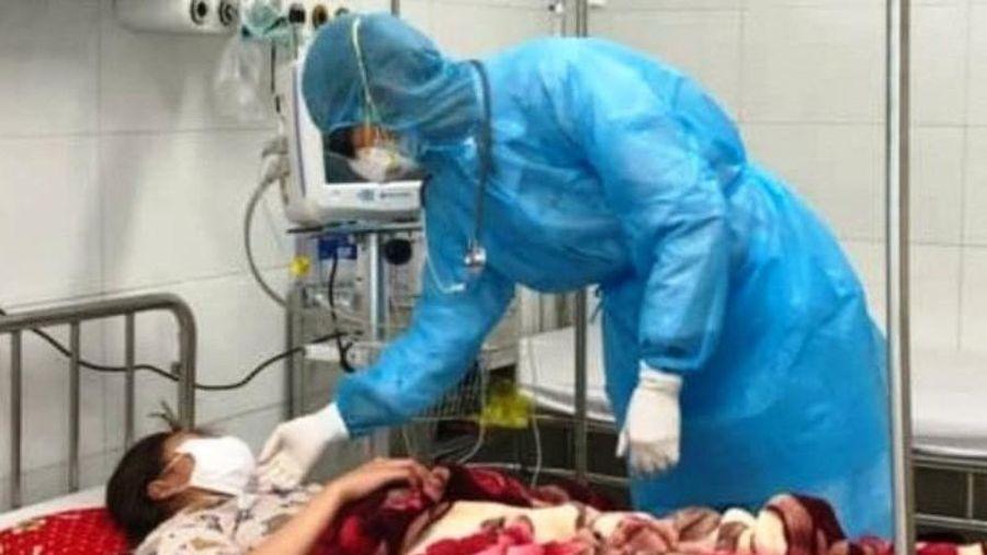 Cách ly 2 bệnh nhân nghi nhiễm virus corona từ Trung Quốc về