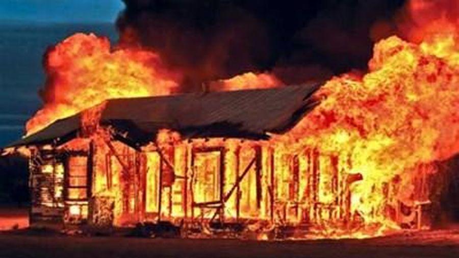 Nghi án mâu thuẫn tình cảm phóng hỏa đốt nhà làm 2 người chết