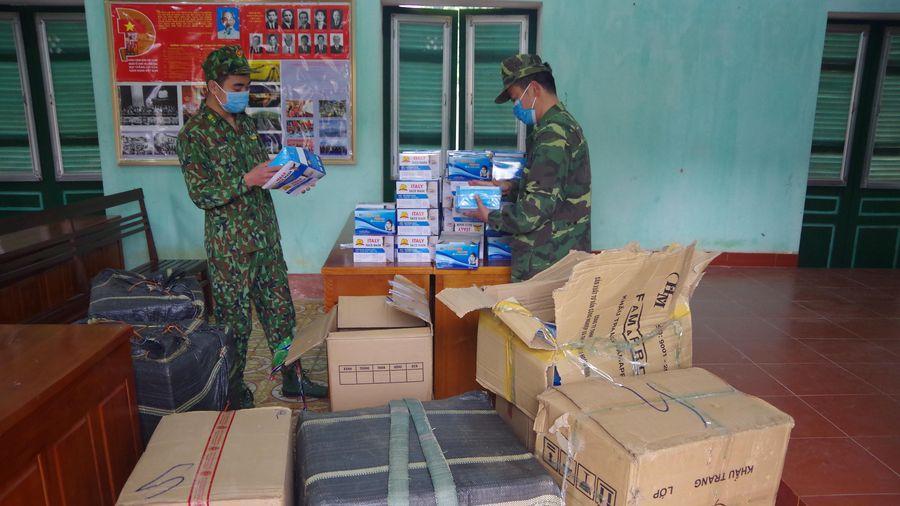Thu giữ hơn 17.000 chiếc khẩu trang y tế vận chuyển trái phép qua biên giới