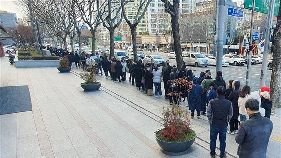 Hàn Quốc mùa dịch COVID-19: Kinh doanh gặp khó, khẩu trang cháy hàng