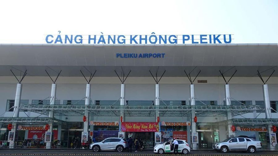 Kon Tum không đưa được 2 du khách Hàn Quốc đang cách ly lên máy bay