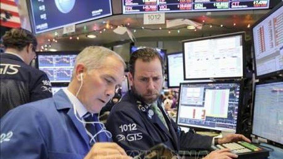 S&P 500 mất hơn 3.400 tỷ USD, chứng khoán Mỹ chưa ngừng đà lao dốc sang phiên 28/2