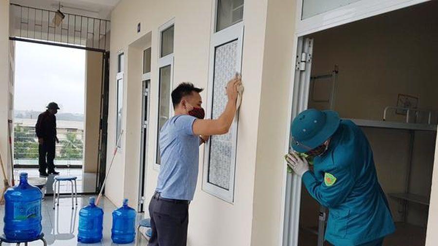 Những hình ảnh đầu tiên tại khu vực cách ly tập trung ở phường Tây Mỗ, quận Nam Từ Liêm, Hà Nội