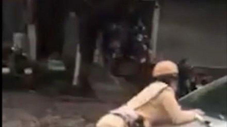 Hà Nội: Tài xế hất chiến sỹ CSGT lên nắp capô ra trình diện