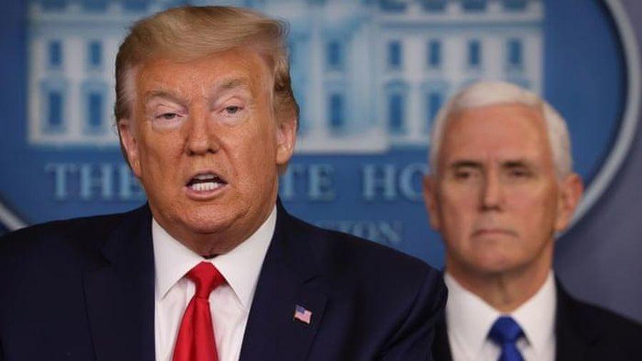 Tổng thống Trump ký thông qua luật ứng phó virus