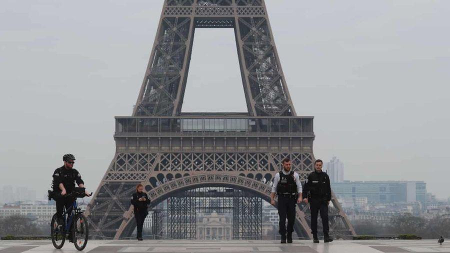 Người nông thôn Pháp đồng loạt 'xin' người Paris đừng về quê