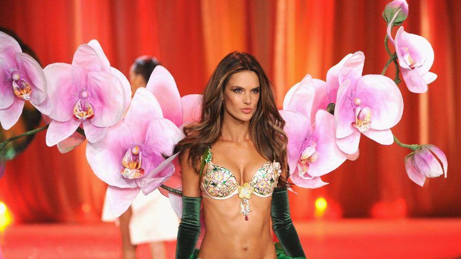 Chân dài Brazil tại Victoria's Secret Fashion Show