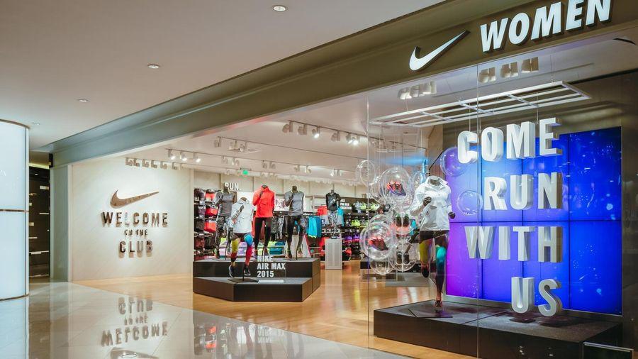 Nike ủng hộ 15 triệu USD, vẫn trả lương đủ cho nhân viên khi đóng cửa