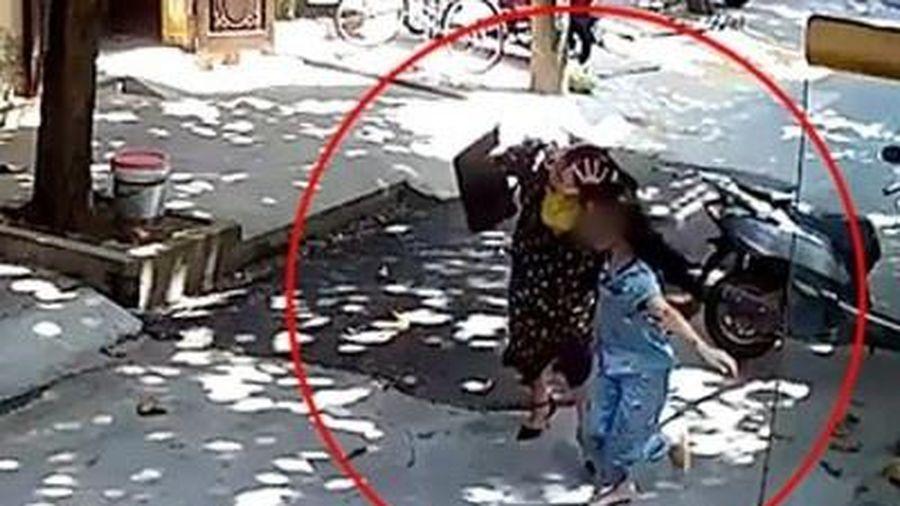 Phụ nữ 60 tuổi bắt cóc 'tình địch' để đánh ghen