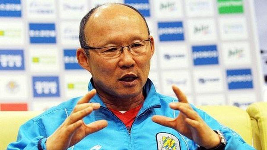 Báo Hàn kể lại thầy Park chiêu mộ ngoại binh khi xem tivi