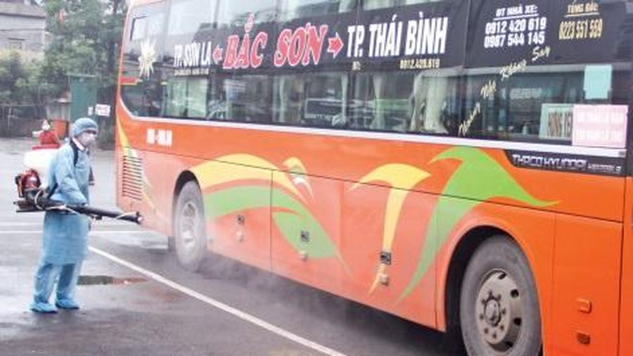 Tạm thời miễn phạt xe khách giảm chuyến vì dịch bệnh