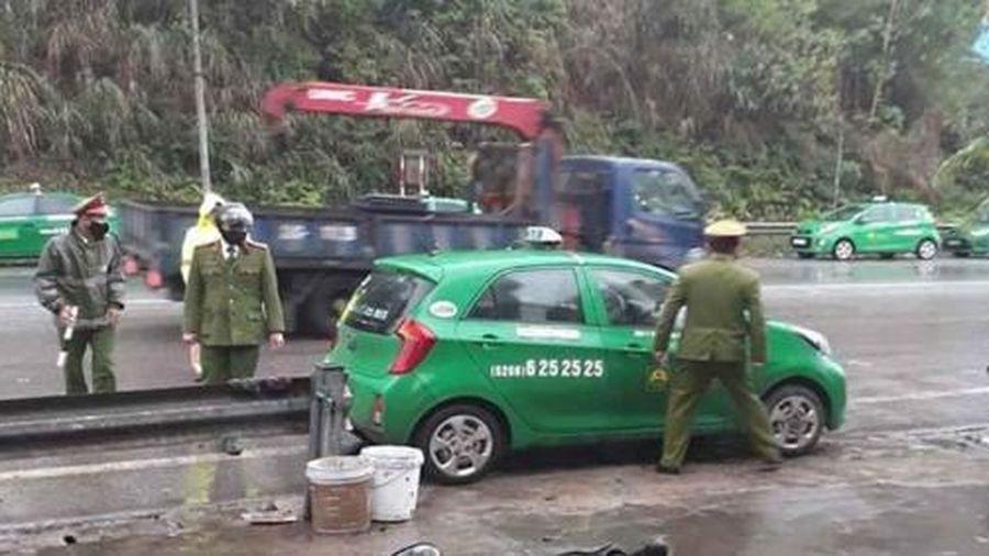Người đàn ông tử vong bất thường trên taxi