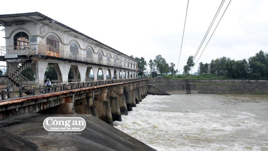 Hạn hán, mặn hoành hành các tỉnh miền Trung (Bài 3: Nguy cơ khủng hoảng nước sinh hoạt)