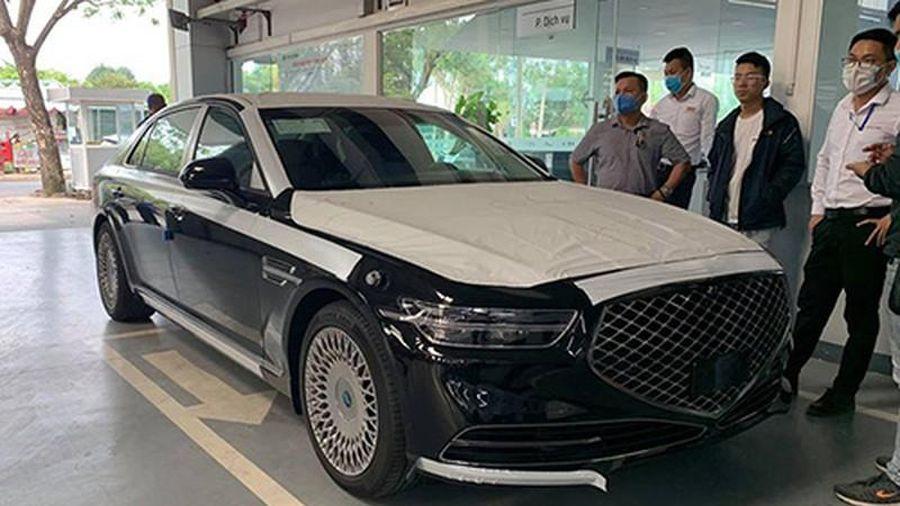 'Đập thùng' xe sang Genesis G90 hơn 3,5 tỷ đồng tại Việt Nam