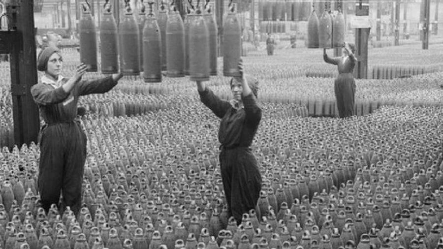 Lần cuối cùng Mỹ kích hoạt chế độ 'thời chiến' – người khổng lồ trỗi dậy ra sao?