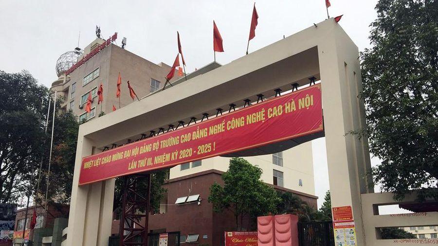 Khu cách ly có sức chứa hàng nghìn người trong trường Đại học ở Hà Nội có gì?